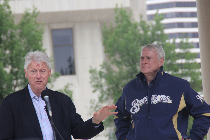 President Clinton Visits Milwaukee For Tom Barrett Rally