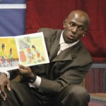 Packers Wide Receiver Donald Driver talks with students from the YMCA Young Leaders Academy