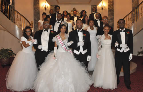 CPBA-Christian-Debutante-Cotillion-Ball-Cyrinthia-Reasby-Miss-CPBA-Debutante-Nicolet-High-School-Tyree-Spinks