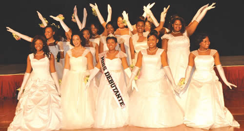 Milwaukee-EKQ-Chapter-Alpha-Kappa-Alpha-Sorority-40th-Debutante-Cotillion-Ball-Crowned-Miss-Debutante-Olivia-Williamson