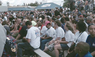 Crowd Gathers to see President Barack Obama at Labor Fest (Photo by Karen Stokes)